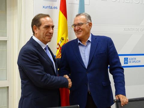 Alfredo García e Valeriano Martínez, sinatura protocolo servizos financeiros 2019