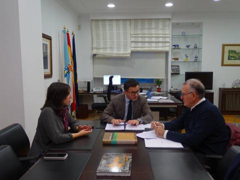O presidente da Fegamp, Alfredo García, reunido co conselleiro de Medio Rural, José González Vázquez e coa secretaria xeral técnica, Maria Jesús Lorenzana Somoza